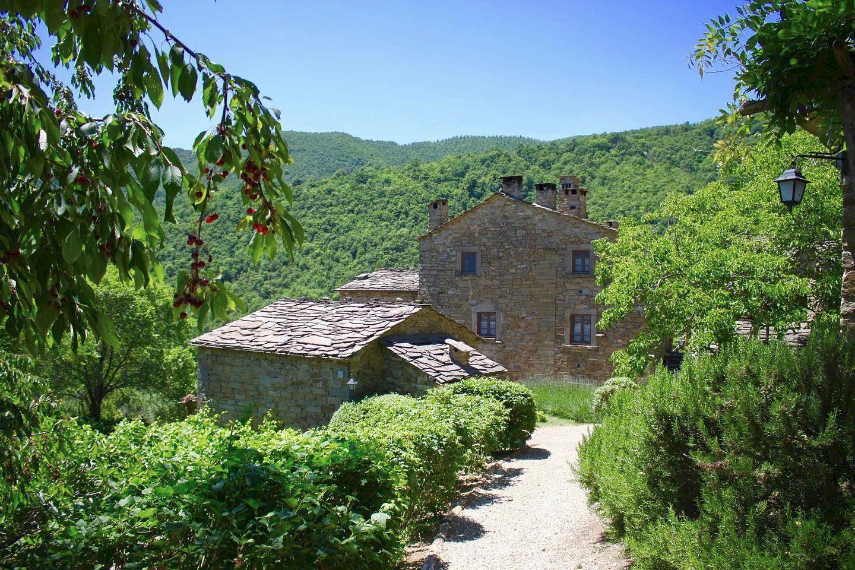 Borgo di Vagli Tuscany holiday village